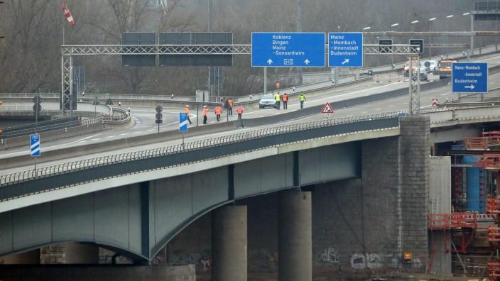 Schiersteiner Brücke gesperrt