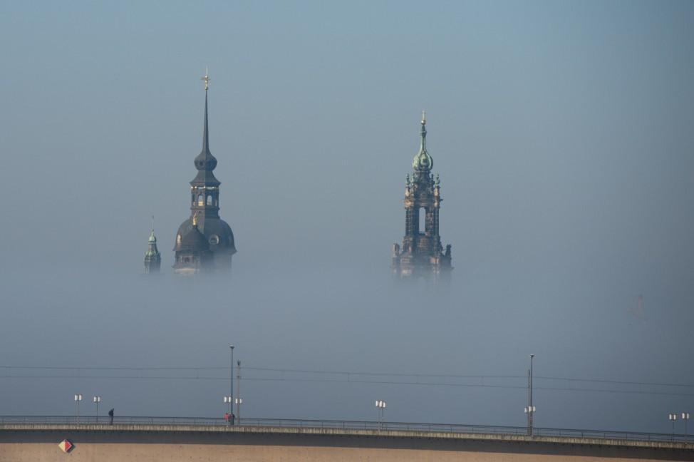 Wetter-Schauspiel in Dresden