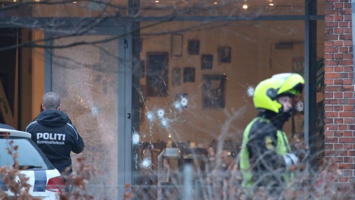 Shots fired and wounded several people at a meeting in Copenhagen