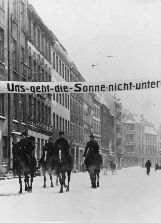 Durchhalteparolen im eingeschlossenen Königsberg, 1945; Bildergalerie Ostfront 1945