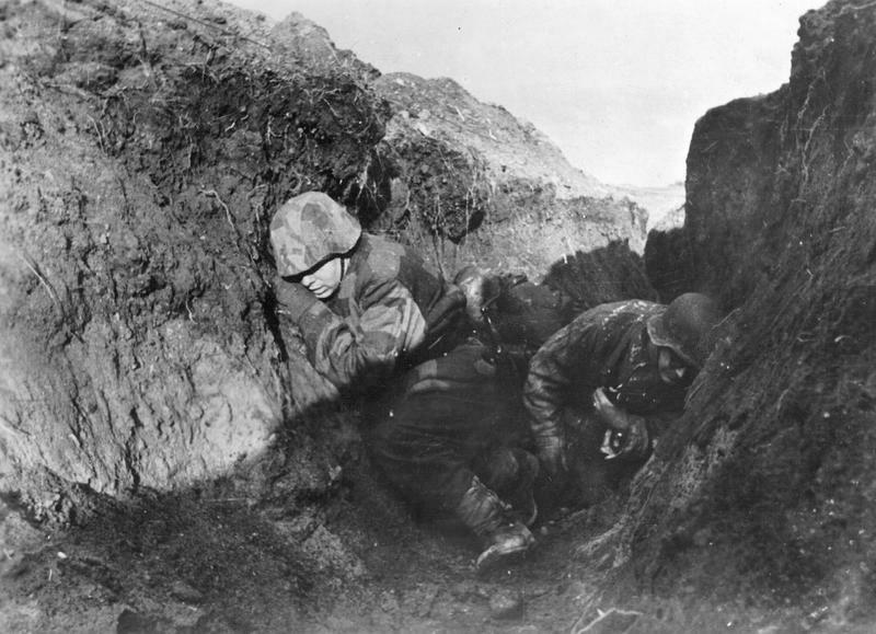 Deutsche Soldaten an der Ostfront, 1945; Bildergalerie Ostfront 1945
