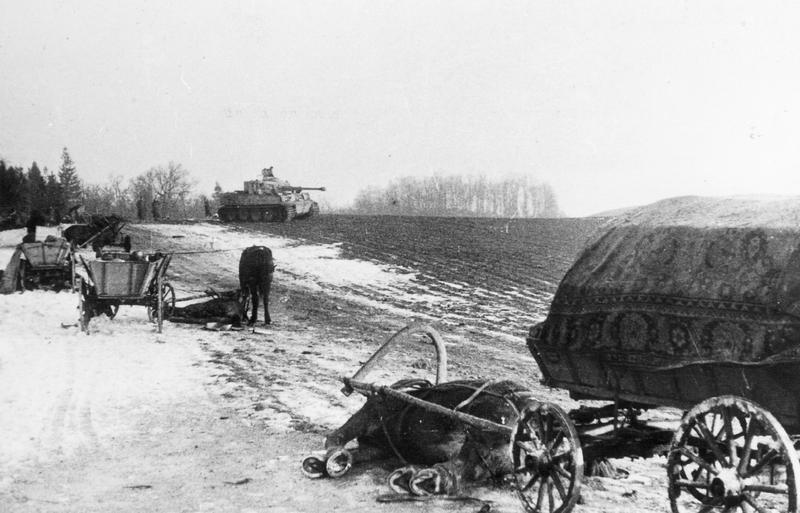 Zerschossener Flüchtlingstreck in Ostpreußen, 1945; Bildergalerie Ostfront 1945