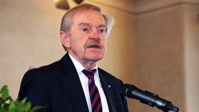 Justiz in München: Der frühere Präsident des Bayerischen Verfassungsgerichtshofs: Karl Huber.