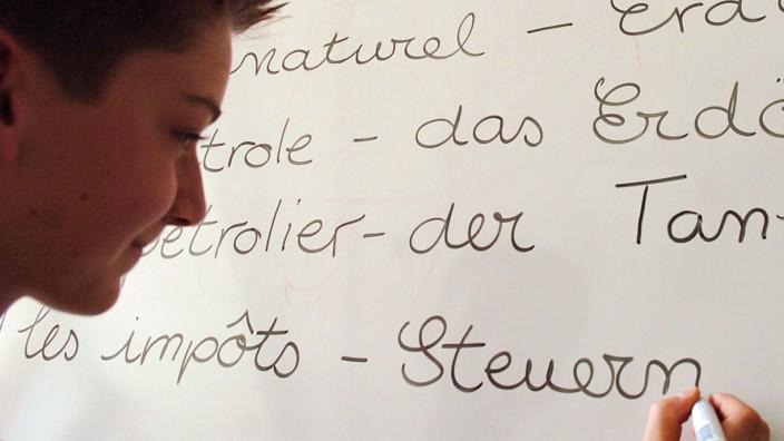 Bilingualer Unterricht in Köln, 2004