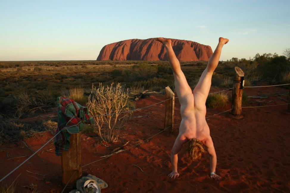 Naked Handstander