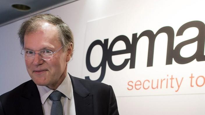 "Gemalto: ´Kein Diebstahl bei Daten von SIM-Karten entdeckt"" CEO of Franco-Dutch security chip and mobile phone sim card manufacturer Gemalto, Olivier Piou, poses before the start of a news conference"