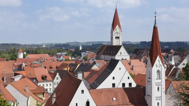 Germany Bavaria Swabia Allgaeu Kaufbeuren View of St Martin church and abbey church PUBLICATIO