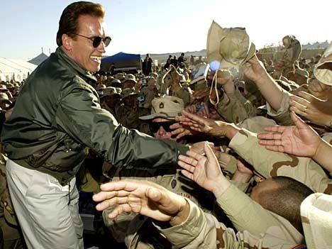 Schwarzenegger besucht US-Army