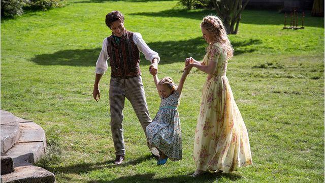 Cinderella mit Vater (Ben Chaplin) und Mutter (Hayley Atwell).