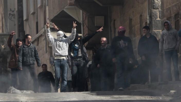 Vier Jahre Bürgerkrieg in Syrien: Vor vier Jahren protestierten Demonstranten in der Stadt Deraa gegen Präsident Assad. Sie hofften auf eine Revolution, aber es wurde ein Bürgerkrieg.