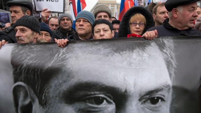 Demonstrationszug im Zentrum Moskaus für den ermordeten Putin-Gegner Boris Nemzow.