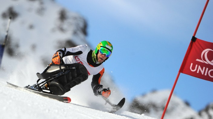 BEHINDERTENSPORT IPC EC Pitztal Super G Herren ST LEONHARD AUSTRIA 17 DEZ 13 DIVERS BEHINDERT; Ski alpin