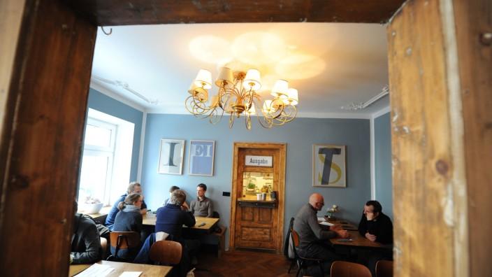Restaurant Waldmeisterei: Schickes, urbanes Ambiente zeichnet die Waldmeisterei aus.