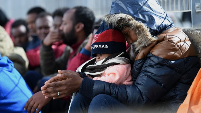 Situation Critical After Hundreds Of Migrants Arrive On Lampedusa Following Rescue Operation