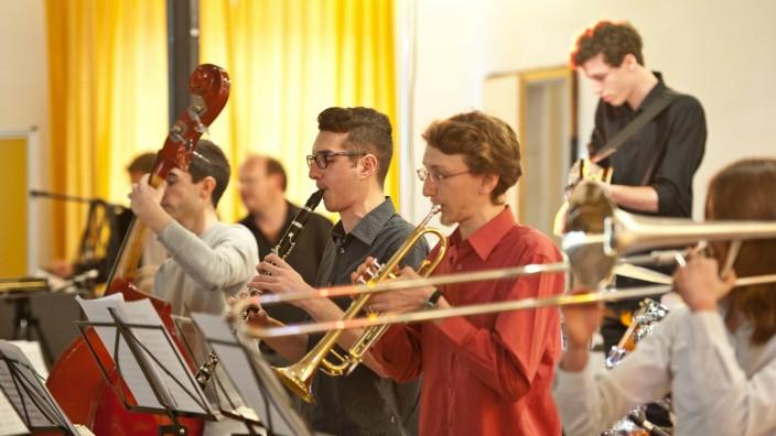 Jazz-Aktionstag: Vom Bigband-Sound bis zur karibischen Gewitterfront reichte das Repertoire des Jazz-Aktionstags der Musikschule im Unterbräusaal Markt Schwaben.