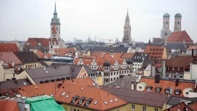 Architektur: Die Münchner Altstadt, von der Terrasse des Mandarin Oriental aus fotografiert. Wie viel moderne Architektur verträgt das historische Ensemble?