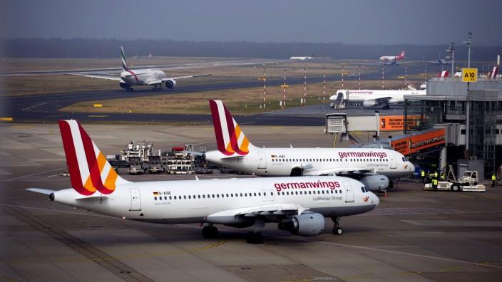 Germanwings-Flugzeuge am Flughafen Düsseldorf