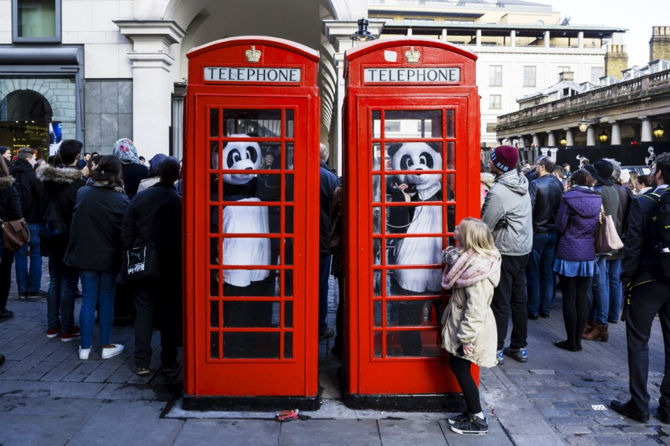 Panda's Head To London Ahead Of Earth Hour