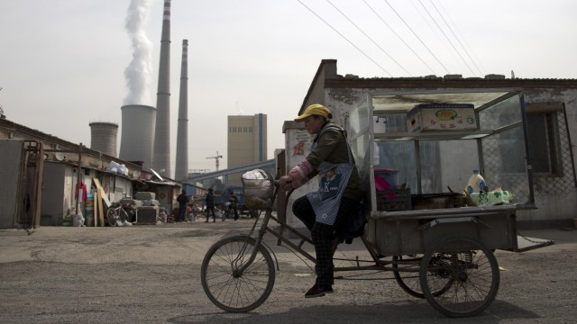 Ökologische Geldanlage: Manche Fonds haben einen großen CO₂-Fußabdruck, weil sie in chinesische Energieunternehmen investieren, die Kohlekraftwerke betreiben.