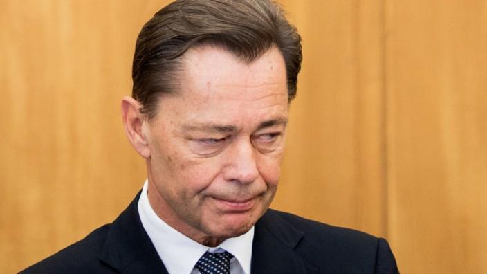 Trotz angebotener Kaution:Middelhoff muss in U-Haft bleiben