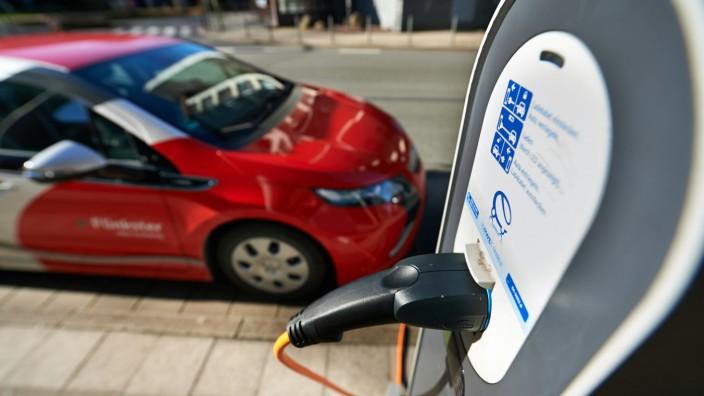 Elektroautos kämpfen mit Hindernissen