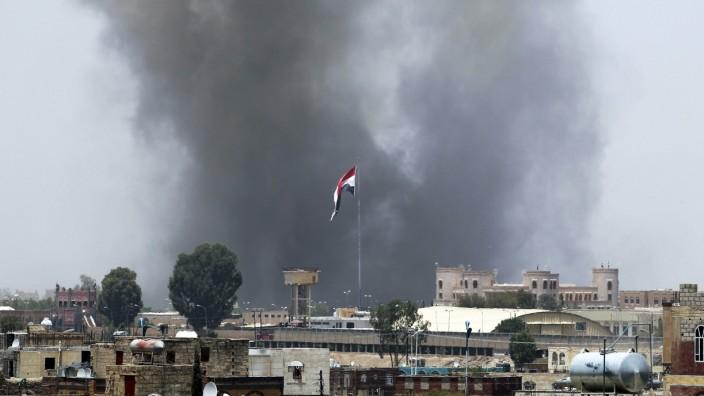 Saudi air strike targets military academy