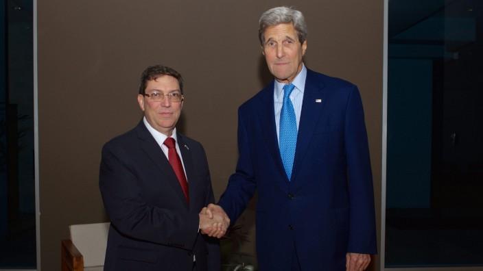 US Secretary John Kerry meets Cuban Foreign Minister Bruno Rodrig