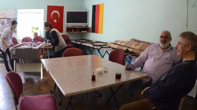 Muslime im Landkreis: Für die Kurse fehlt es aber vor allem an Platz.