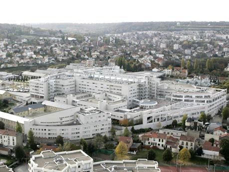 Percy Military Teaching Hospital in Clamart