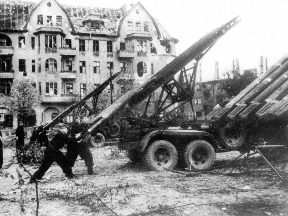 Sowjetische Raketenwerfer in der Schlacht um Berlin; Ostfront WW2