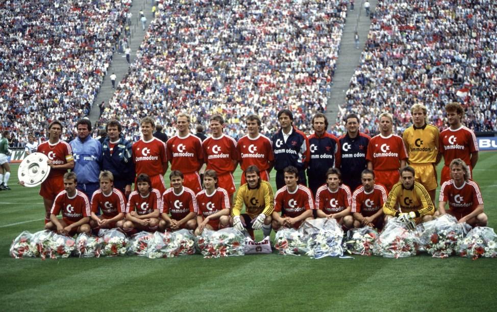 Fussball: 1. Bundesliga 89/90; Blumen