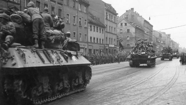 Amerikanische Panzer in München, 1945
