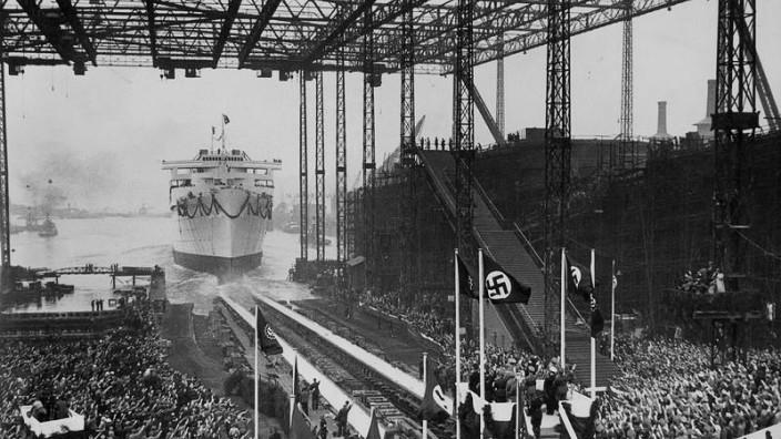 Stapellauf der Wilhelm Gustloff, 1937