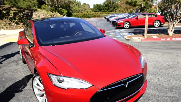 Die elektrische Limousine Tesla Model S