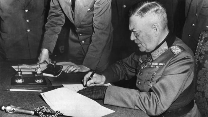 60 Jahre Kriegsende -  Keitel unterschreibt Kapitulation