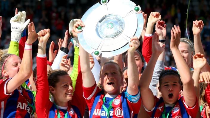 Bayern Muenchen v SGS Essen - Allianz Frauen-Bundesliga
