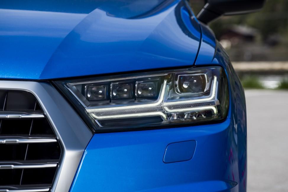 Der Scheinwerfer des Audi Q7