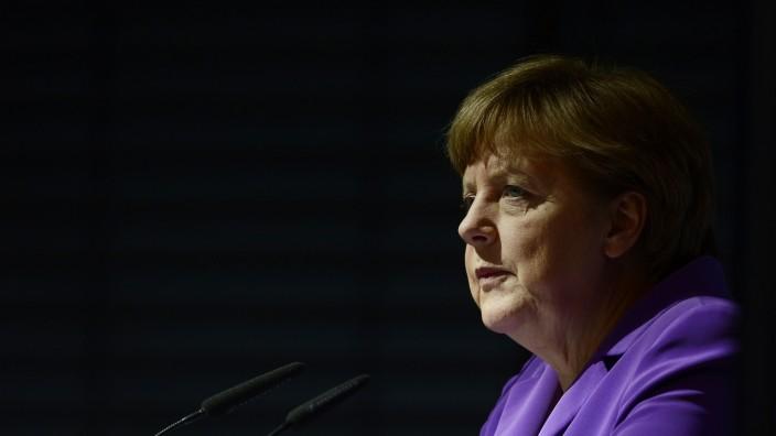 Spionageskandal: Nichtstun verpflichtet: Angela Merkel muss jetzt zur Aufklärung der NSA/BND-Affäre beitragen.
