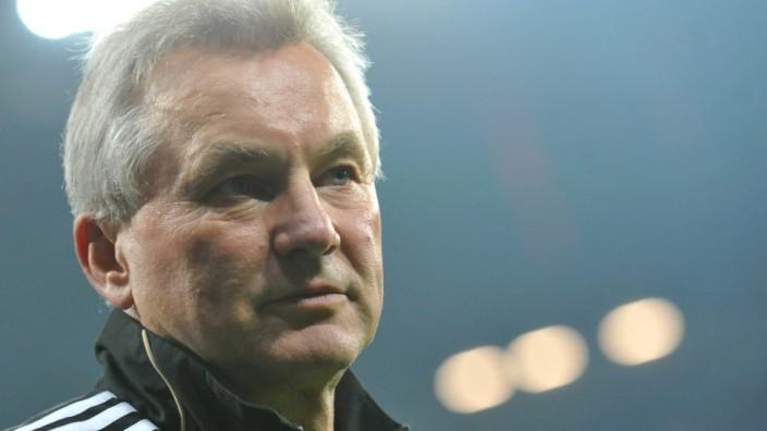FC Ingolstadt beurlaubt Trainer Möhlmann