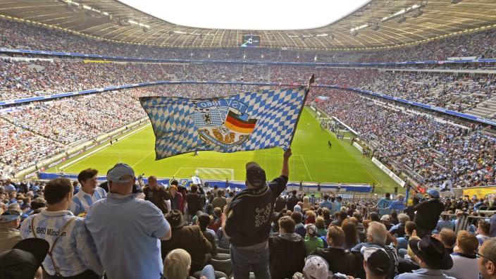 17 05 2015 Fussball 2 Bundesliga 2014 2015 33 Spieltag TSV 1860 München 1 FC Nürnberg in der A; 1860