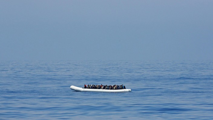 220 migrants rescued by Italian ship