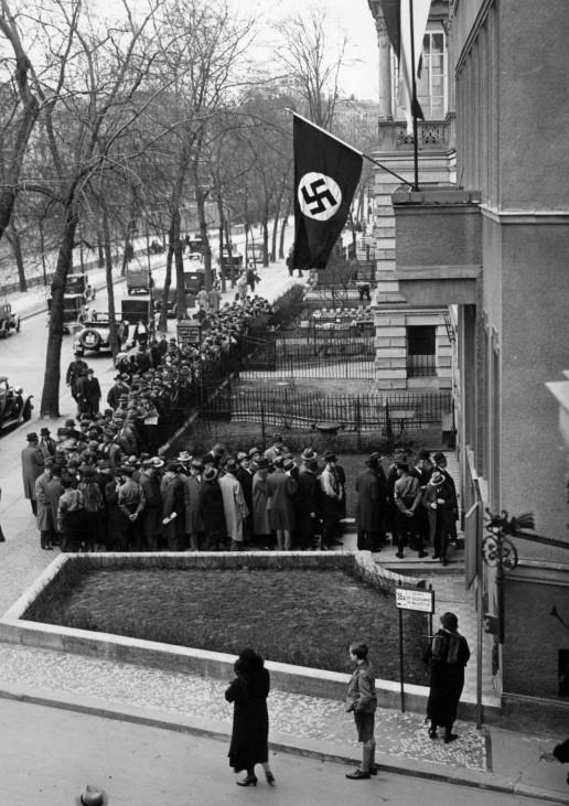 Jüdische Anwälte vor der Berliner Anwaltskammer, 1933