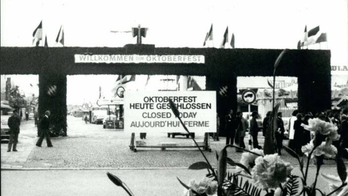 Bomb Explosion At Munich Oktoberfest Closed today informs this board placed at the entrance of Mun