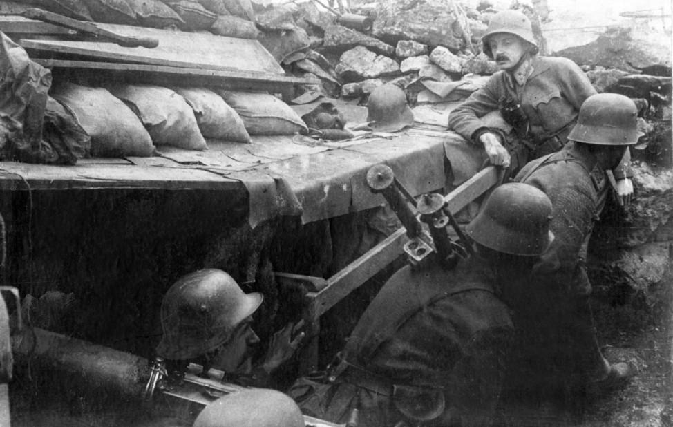 Österreichische Soldaten während einer Isonzoschlacht, 1917