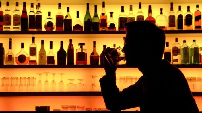 Alkoholkomsum in einer Bar
