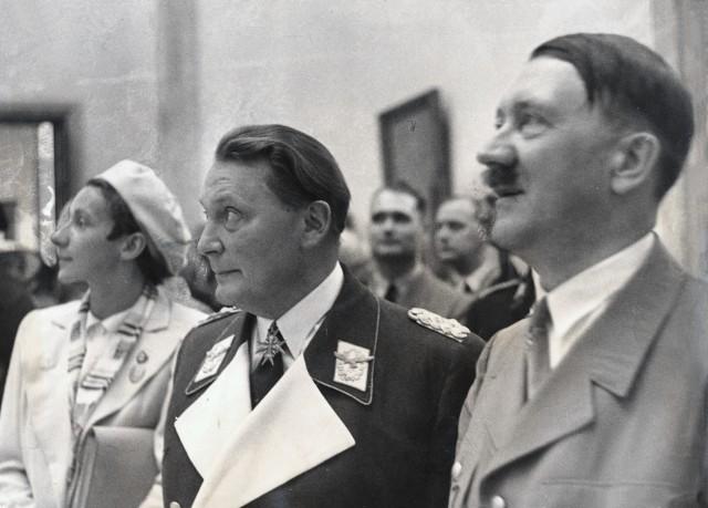 Hitler und Göring im Haus der Kunst, 1937 | Hitler and Goering at the House of Art, 1934
