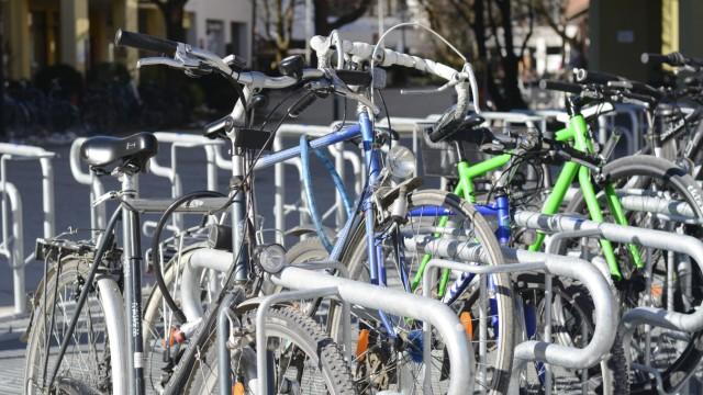 Neue Fahrradständer in Garching