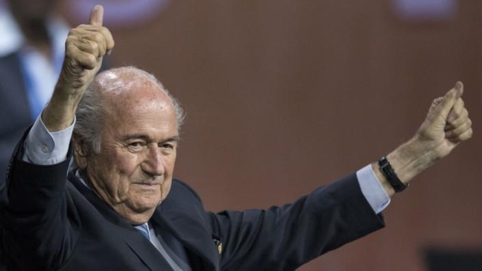 """Phänomen """"Public Shaming"""": Ihm würde ein bisschen mehr Schamgefühl ganz gut tun - Der soeben zurückgetretene Fifa-Präsident Sepp Blatter."""