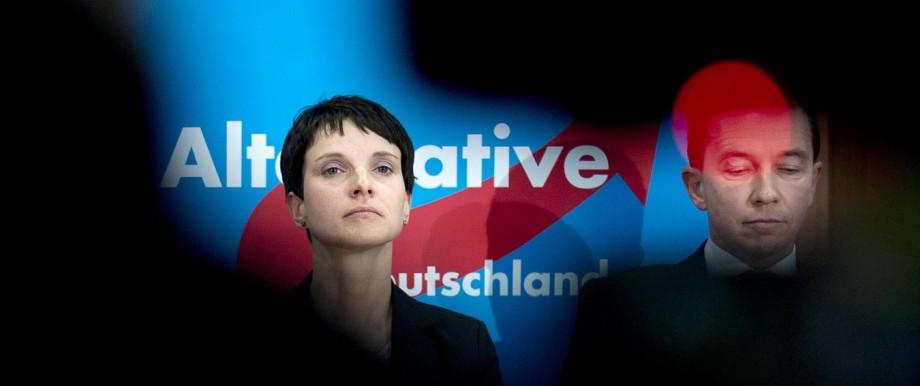 Frauke Petry Bernd Lucke AfD DEU Deutschland Germany Berlin 16 02 2015 Frauke Petry stellvetr