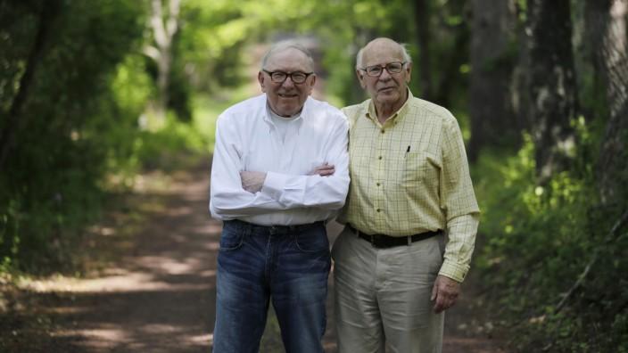 Norman MacArthur, Bill Novak